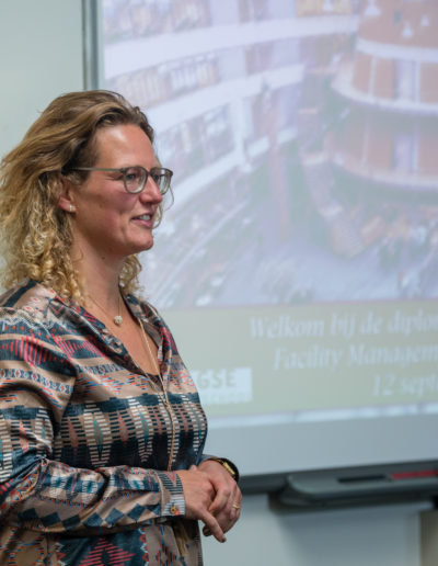 Facilitaire Zaken & IT-34